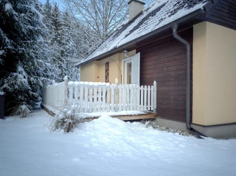 Romanticka chata Liptovský Ján zasnezena terasa