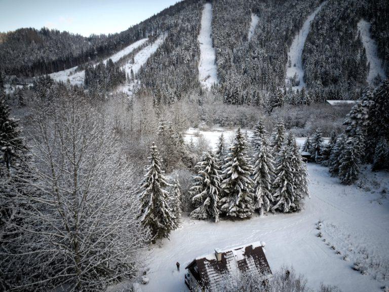 Romanticka chata Liptovský Ján pohlad na kopec